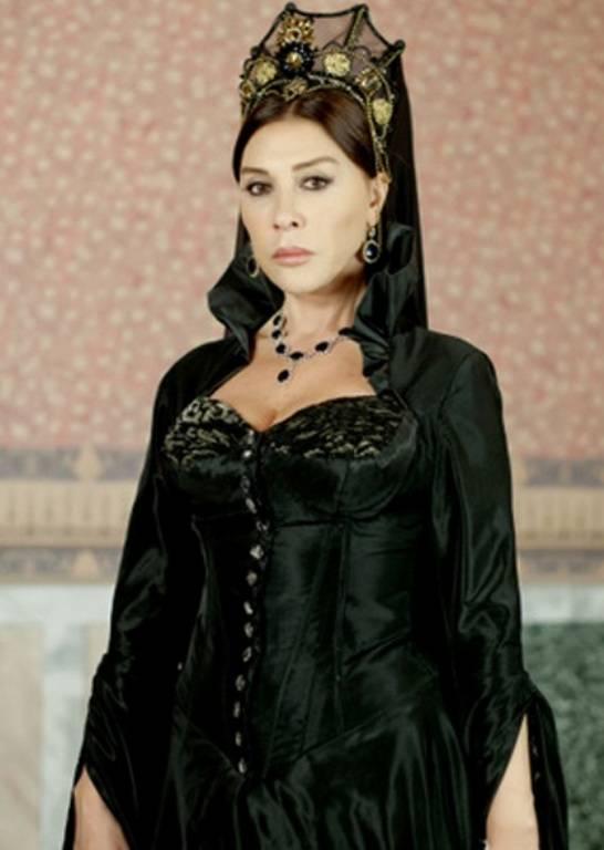 Sultana Hafsa se gandeste care va fi reactia lui Suleyman si Hatice ...