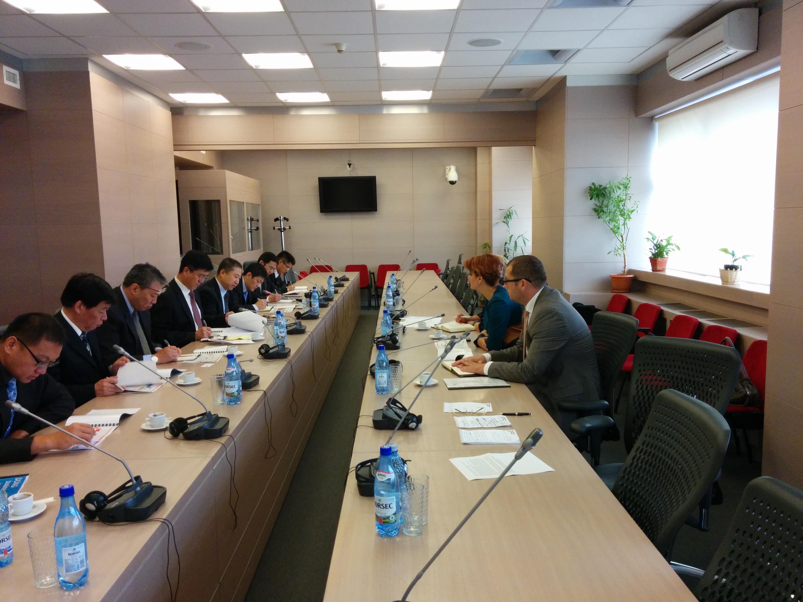 Primaria Craiova a semnat  un contract cu o firmă chineză, pentru construcția unui cartier cu aproximativ 2000 de locuințe, sub prețul de pieței: 400 euro/mp.