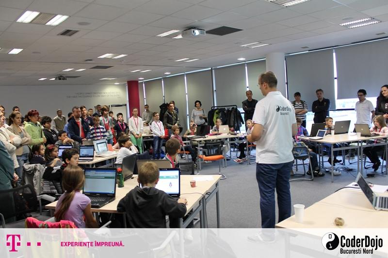 Atelierele de programare gratuite Coder Dojo Bucuresti Nord @Telekom Romania încep al treilea an de activitate cu cel mai mare număr de participanți