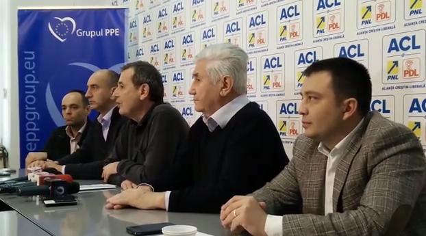 Conferinta de presa la sediul PNL Dolj: co-presedintele PNL Dolj, Marian-Jean Marinescu, despre rezultatele Alegerilor Prezidentiale 2014
