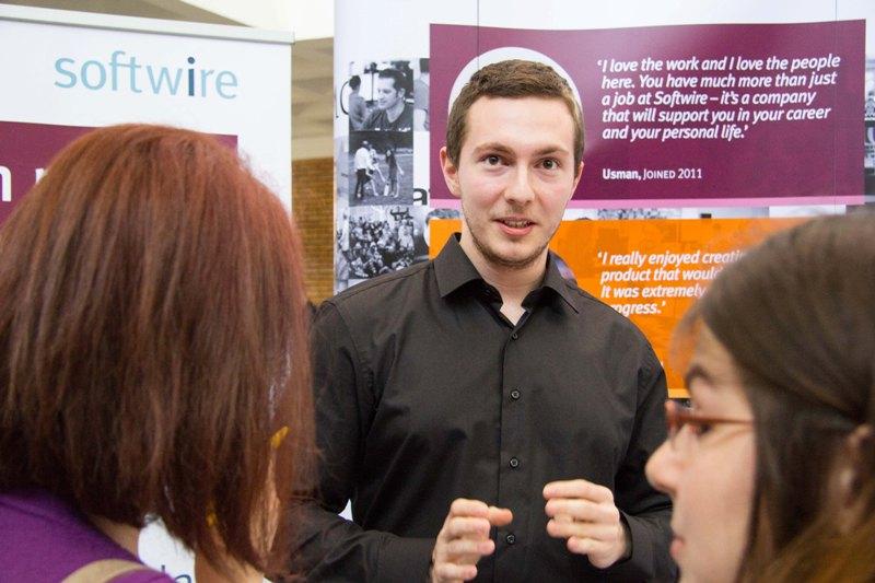 Peste 600 de studenți au fost atrași de internship-urile celor mai bune companii IT prezente la Stagii pe Bune