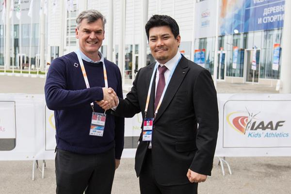 Atleții și gamerii profesioniști fac echipă comună.  Federațiile Internaționale de Sport Electronic și Atletism semnează un acord istoric