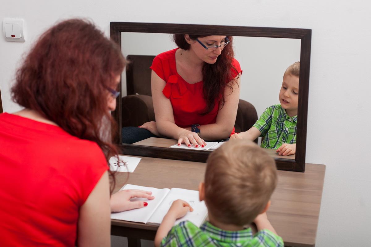 S-a lansat prima platformă online de logopedie: lista logopezilor, teme și exerciții online pentru copii