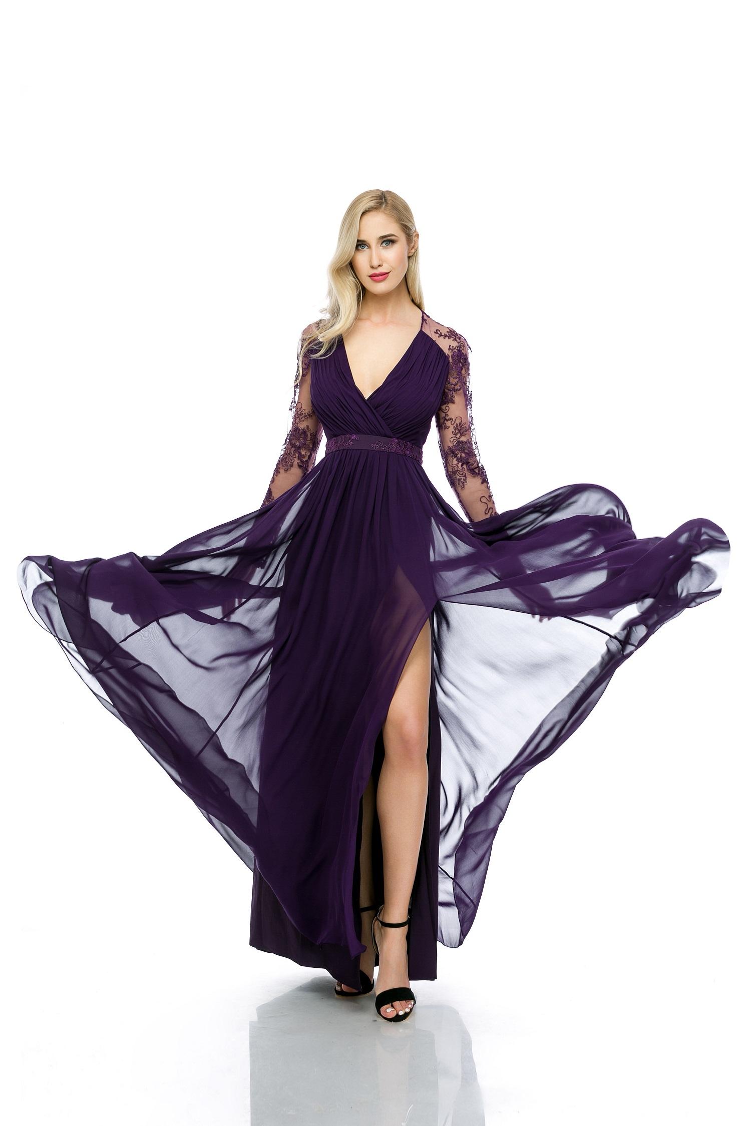 DRESSBOX le asigură femeilor cele mai elegante ținute, de la case renumite de modă, la cele mai accesibile costuri