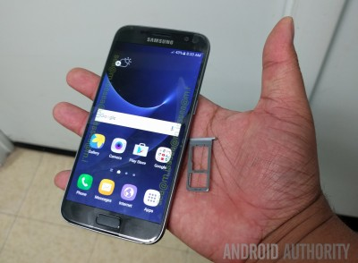 Samsung Galaxy S7, cel mai asteptat smartphone al anului, este prezentat intr-un clip oficial