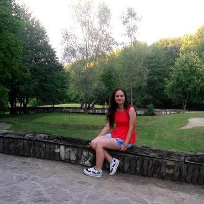 Interviuri cu bloggeri: Georgiana Lazăr
