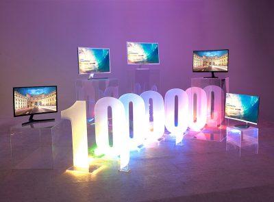 Samsung a vândut peste 1 milion de monitoare curbate