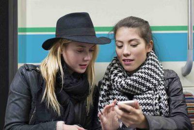 Orange aduce distractia in drumul spre mare cu Wi-Fi gratuit in Trenurile Soarelui