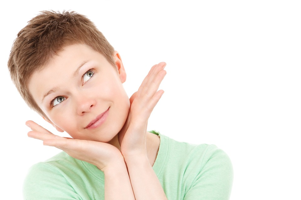 Augmentarea pomeților – intervenția care te ajută să îți păstrezi tinerețea