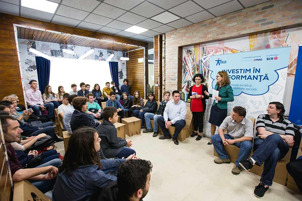 Clienții eMAG au donat de 62.000 de ori pentru elevii olimpici ai României