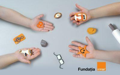 Fundația Orange oferă 250.000 euro pentru proiecte dedicate persoanelor cu deficienţe de vedere şi auz