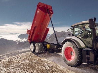 Cu 4 noi dimesiuni aduse gamei CT, Nokian Heavy Tyres sporeşte manipularea eficientă şi sigură a celor mai grele încărcături agricole