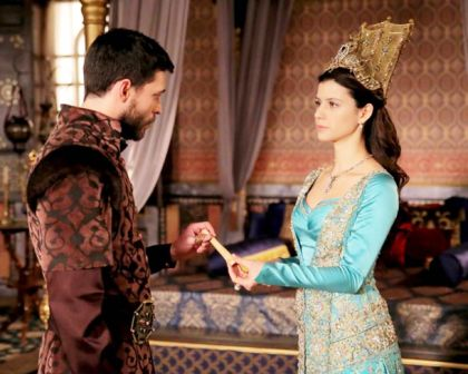 Muhteşem-Yüzyıl-Kösem-Sultan-11.-bölüm-kıyafetleri