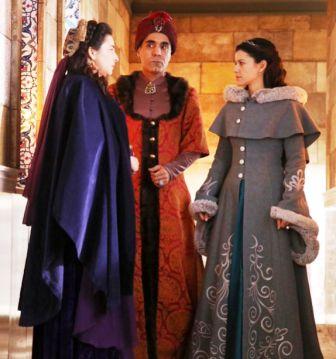 Muhteşem-Yüzyıl-Kösem-Sultan-11.-bölüm-Kösem-palto
