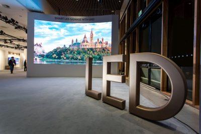 Samsung Electronics prezintă noile ecrane QLED Signage la ISE 2017