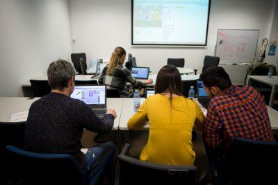 """Angajații SAP se întorc la școală! Organizează un club de programare  pentru elevii clasei a IV-a din Școala Gimnazială """"Emil Isac"""""""