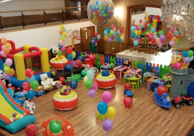 Baloanele – nelipsite de la botezuri