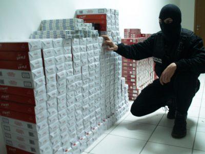 """40 de milioane de ţigări capturate şi peste 300 de persoane reţinute  de la lansarea campaniei """"Stop Contrabanda"""""""