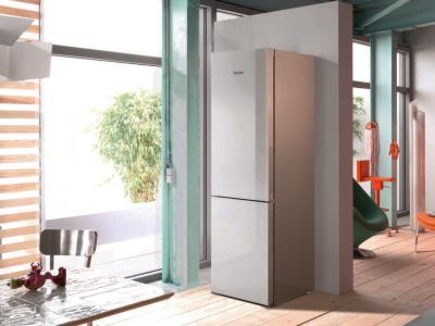 Miele recomandă frigiderul vedetă al sezonului: KFN 29683, dotat cu funcții exclusive pentru vară