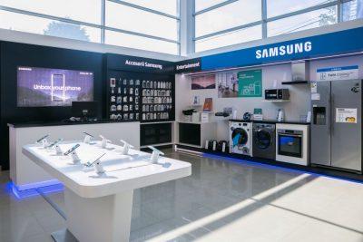 Samsung Plaza Vest, cel mai mare centru de service din România, oferă servicii noi după modernizare