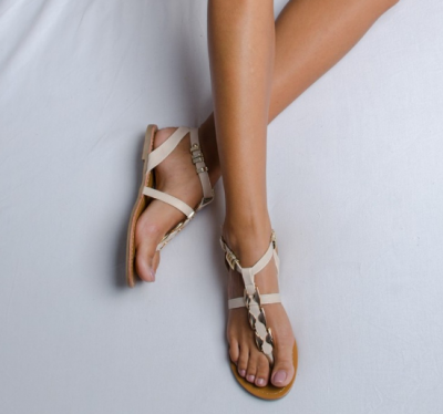 Sandale cu cantec