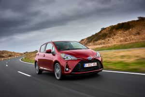 Toyota Yaris Hybrid_Red Dynamic