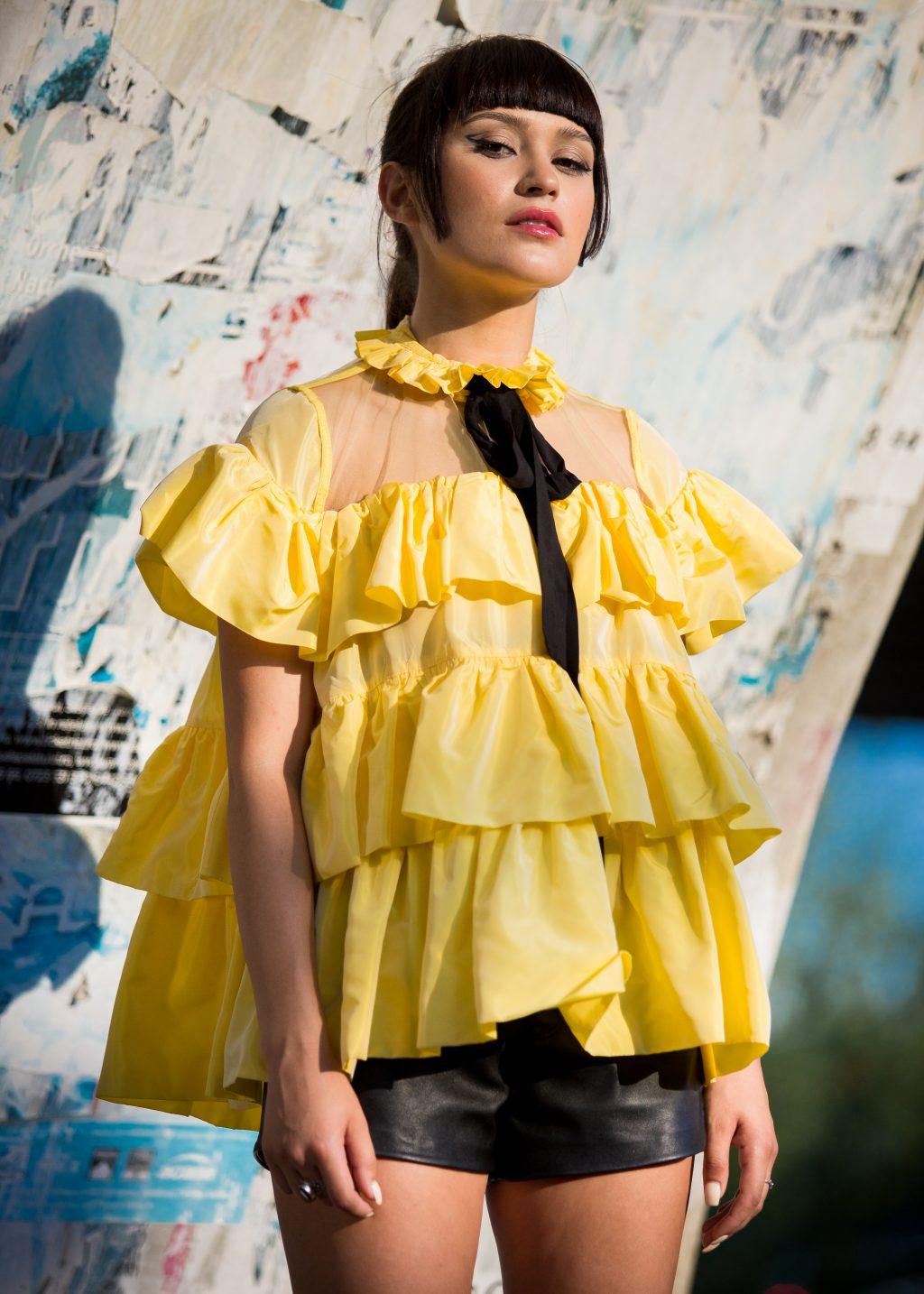 Irina Rimes a implinit 26 de ani si a lansat o piesa de ziua ei
