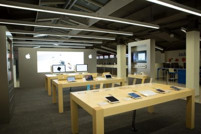 eMAG aniversează doi ani de Apple Shop