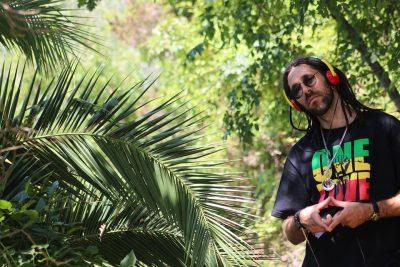 """Syan Lion ne spune pe ritmuri reggae ce este """"Muzica"""""""