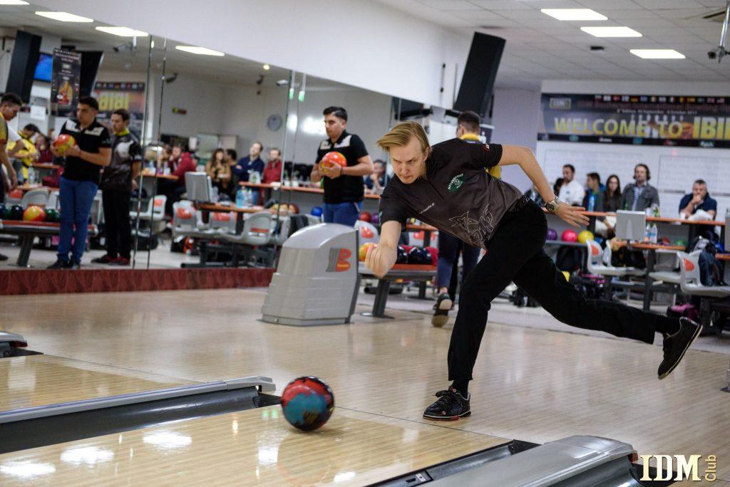 Mattias Wettenberg, campionul național la bowling al Suediei, câştigă cea de-a opta ediţie a Turneului Internațional de Bowling din România, la prima participare