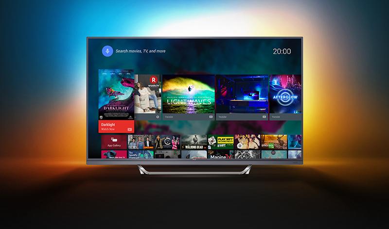 Reduceri de peste 20% pentru cadoul perfect de Crăciun: un televizor Philips din seria 7502 Acest Crăciun va fi luminat de Ambilight, se va vedea 4K Ultra HD, iar fondul sonor va fi asigurat de soundbar-ul integrat ingenios în rama din partea inferioară a televizorului