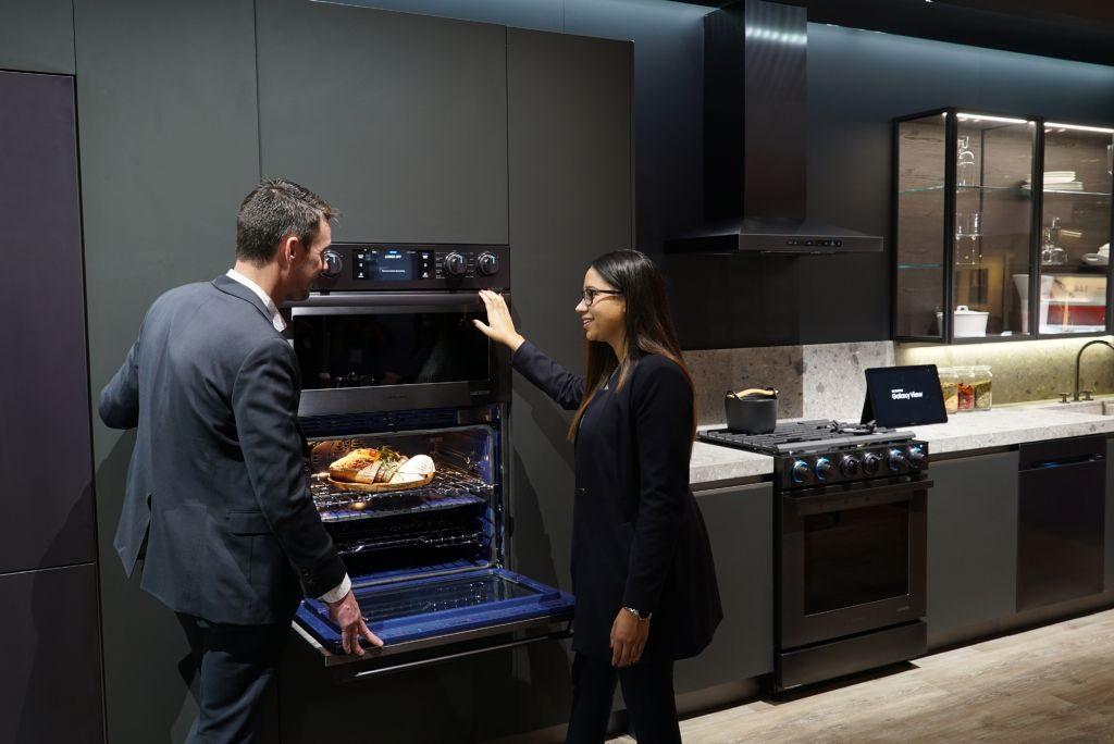 Samsung va prezenta la KBIS 2018  cele mai inovatoare electrocasnice încorporabile   Samsung aduce în prim-plan bucătăria încorporabilă inteligentă din gama premium,  Samsung Chef Collection