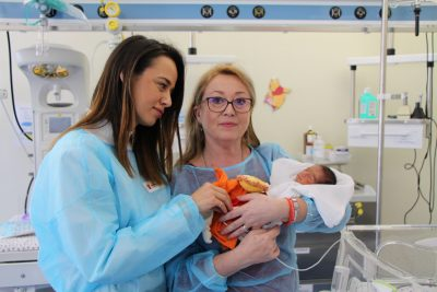 """Salvați Copiii dotează Spitalul Clinic de Obstetrică-Ginecologie """"I.A. Sbârcea"""" Brașov cu un aparat radiologic pentru nou-născuți"""