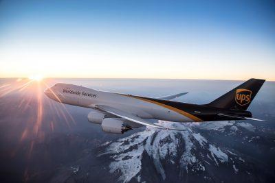UPS ACHIZIȚIONEAZĂ 14 NOI AERONAVE CARGO 747-8 ȘI COMANDĂ ÎNCĂ PATRU AVIOANE 767