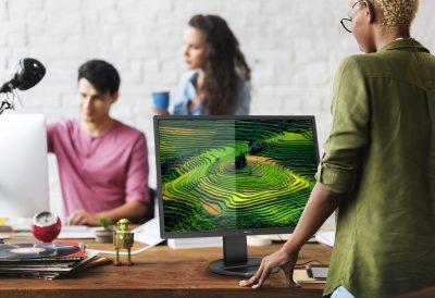 MMD lansează noul monitor Philips 272B8QJEB, QHD de 27 de inchi, menit să sporească productivitatea