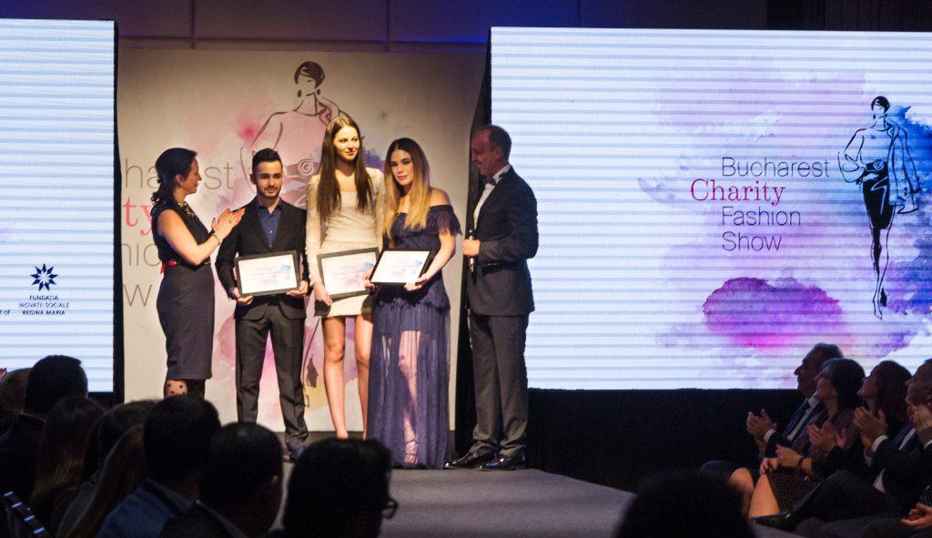 Bucharest Charity Fashion Show – 100 000 de euro stransi pentru programul «Ajuta o mama sa se ridice»