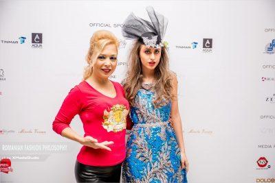 După ce a cucerit podiumurile din New York, Alexandra Popescu York a ținut prima prezentare de modă în România