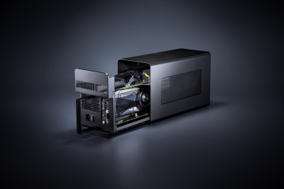 RAZER CORE X oferă performanțe video extreme pentru LAPTOPuri:  Mai mult spațiu. Mai multă putere. Mai accesibil.