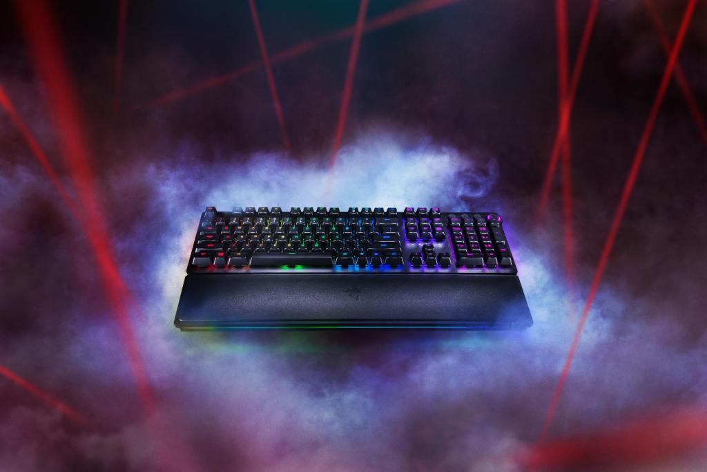 Tastatura Razer Huntsman încorporează o nouă tehnologie care aduce performanțe de gaming la viteza luminii Noua tastatură vârf de gamă de la Razer utilizează noile switch-uri Opto-Mechanical™