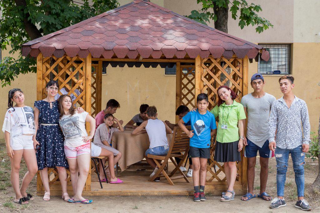 Vizită surpriză din partea LEROY MERLIN la un centru de plasament din București