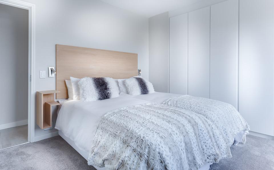 Beneficiile folosirii lenjeriilor de pat din satin