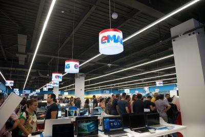 Showroom-ul eMAG din Băneasa a atras 15.000 de vizitatori și  vânzări de 1 milion de euro în primul weekend