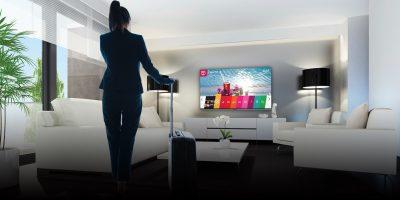 LG OFERĂ O SOLUȚIE HOTELIERĂ INTERACTIVĂ CU PERSONALIZARE DE CONȚINUT Pro:Centric Direct și serverul PCS400R creează o experiență personalizată pentru oaspeți și optimizează fluxul de lucru pentru hotelieri