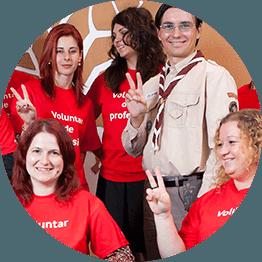 """Fundatia Vodafone Romania a lansat noul proiect national """"Scoala din valiza"""", care integreaza tehnologia de ultima ora in procesul de predare"""