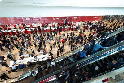 Oracle lansează asistenți digitali personalizați pentru companii