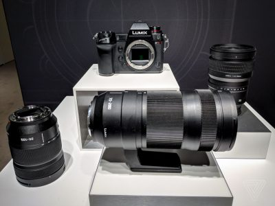 Actualizare a camerei mirrorless full-frame LUMIX S