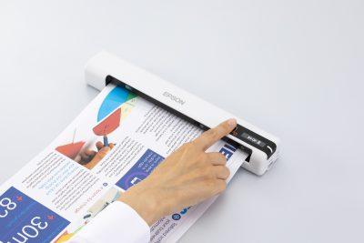 Scanați oriunde prin intermediul celei mai mici și mai ușoare game de scanere mobile Epson